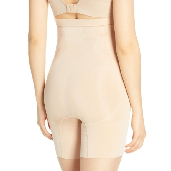 SPANX Other - SPANX OnCore High Waist Mid Thigh Shaper Shorts